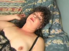 Chubby mature babe in sexy black lingerie have sex
