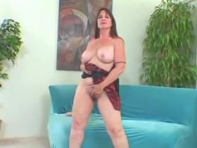 Plump mom exchanging dildo on a big throbbing dick