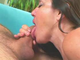 Mom with ripe plum body and big tits gets pumped