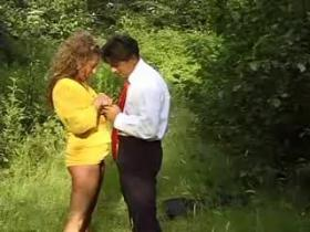 Spicy milf fucks on green glade and gets mouthful