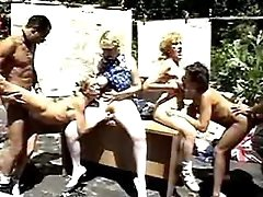 Grannies have fun in orgy outdoor