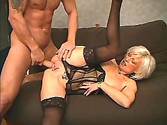 Elder blonde mature gets oral sex n fucks on sofa