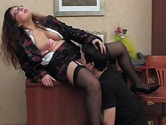 Horny guy falling a victim of dirty fucking scam of sex-craving mature gal
